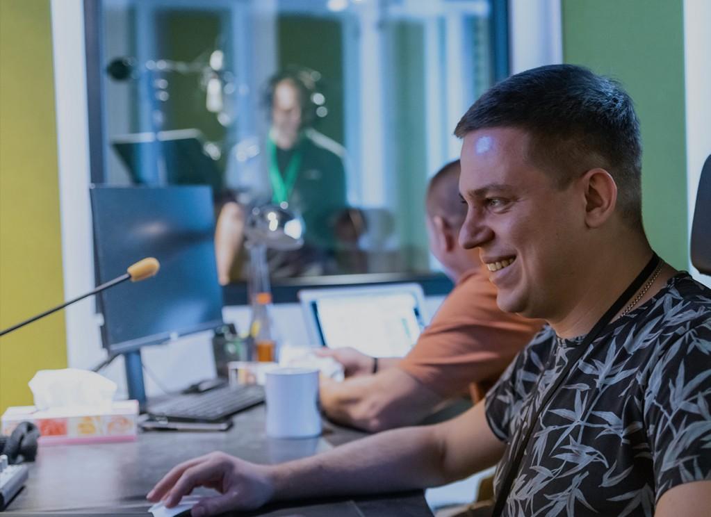 employees, desk, recording studio, collaboration